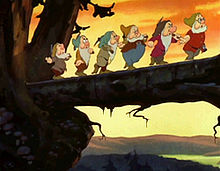 220px-Snow_white_1937_trailer_screenshot_(2)